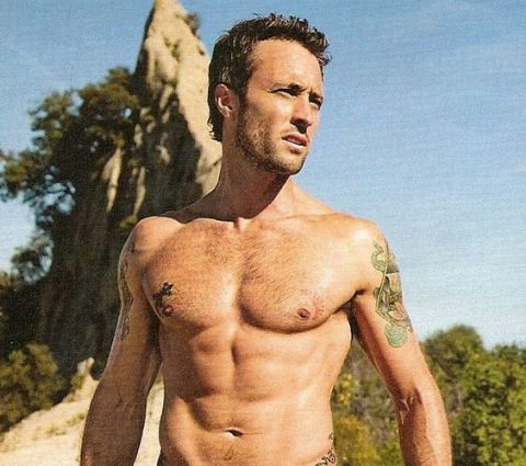 Alex O'Loughlin got ripped thanks to his diet and workout regimen.