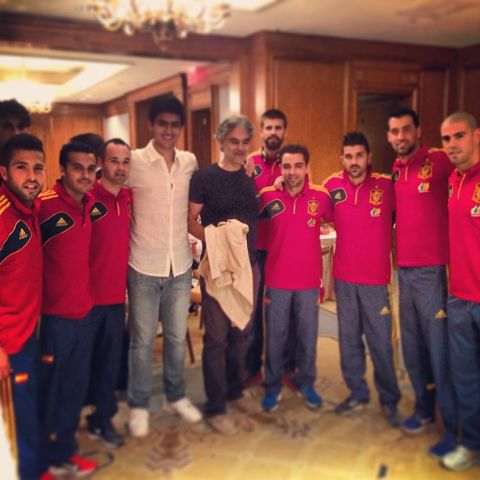 Matteo Bocelli and father with team Spain.