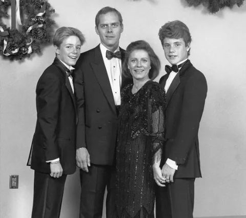 An old photo of Patty Duke with her then-husband, John Astin and two kids, Sean and Mackenzie Astin.
